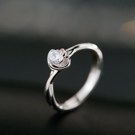 Dazzling Sparkling Noble Flower Shaped Engagement Ring In S925 Silver
