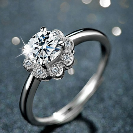 Nice Sweet S925 Silver Inlaid Cubic Zirconia Engagement/Wedding Ring