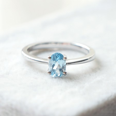 Simple And Smooth 925 Silver Inlaid Oval Gemstone Ring