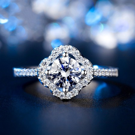 Noble Temperament 925 Sterling Silver Inlaid CZ Engagement Ring