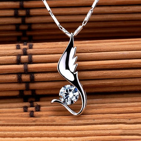 Charming Wing Shape 925 Sterling Silver NSCD Diamond Women's Necklace