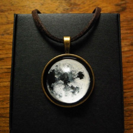Most Popular Pure Handmade Moon Time Gemstone Necklace For Women