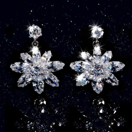 Beautiful 925 Sterling Silver Snow CZ Crystal Drop Earrings