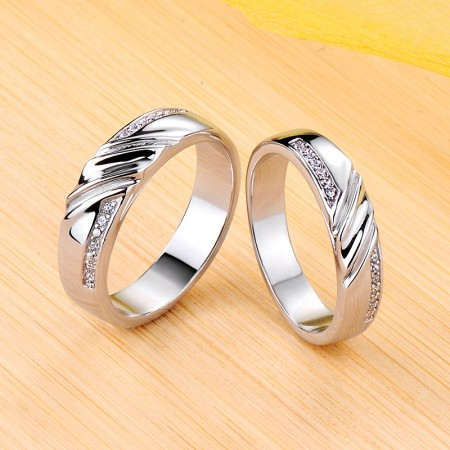 Mobius 925 Sterling Silver Plated Platinum Promise/Wedding/Engagement Couple Ring