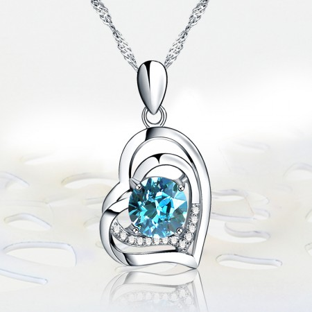 Perfect Gift 925 Sterling Silver Heart-Shaped Inlaid Cubic Zirconia Necklace